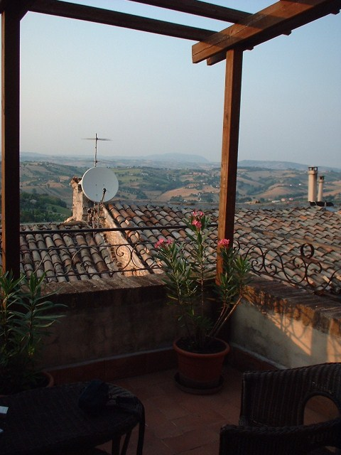 Marken_Italien_Maceratabalkon